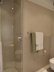 eden-on-the-bay-2nd-bathroom-2