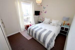 Bedroom 01 (3)